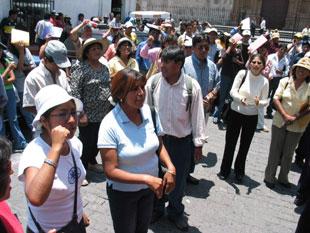 Tres mil maestros esperan nombramiento docente 2007 en Arequipa